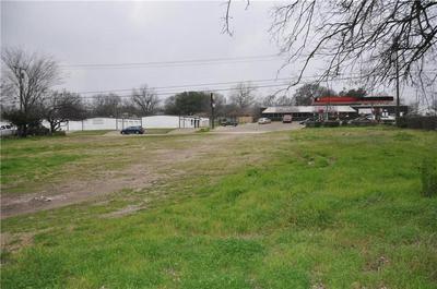 904 N KAUFMAN ST, ENNIS, TX 75119 - Photo 2
