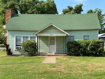 313 W BOYD AVE, Boyd, TX 76023 - Photo 1