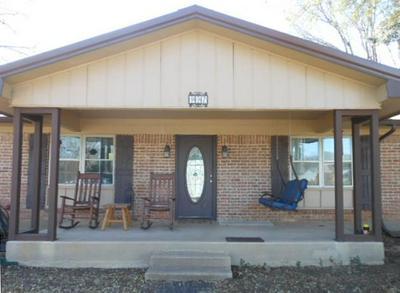 907 OAKHOLLOW RD, Eastland, TX 76448 - Photo 2