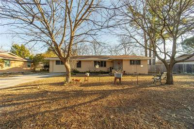 413 N LYDIA ST, Stephenville, TX 76401 - Photo 2