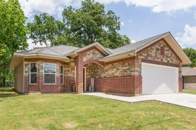 711 E 6TH ST, Bonham, TX 75418 - Photo 1