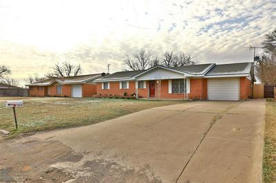 1306 COMPTON ST, STAMFORD, TX 79553 - Photo 2