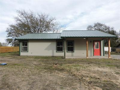 402 CLEVELAND, Bailey, TX 75413 - Photo 1