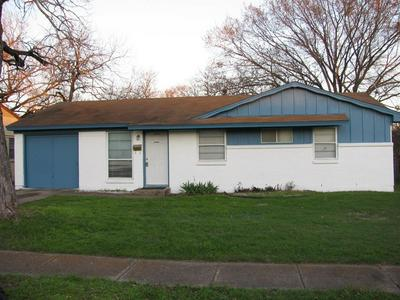 1342 DRIFTWOOD DR, DUNCANVILLE, TX 75116 - Photo 2