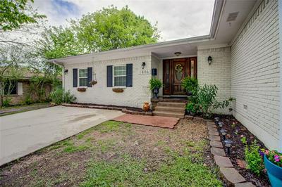 1806 N PRESTON ST, ENNIS, TX 75119 - Photo 1