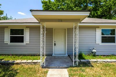 106 W SANTA FE ST, Farmersville, TX 75442 - Photo 2