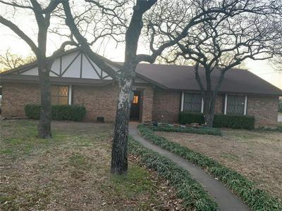104 BRAD ST, Jacksboro, TX 76458 - Photo 1