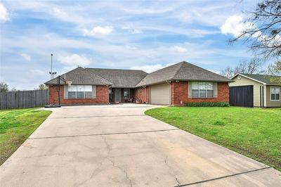 114 4TH ST, Whitesboro, TX 76273 - Photo 2
