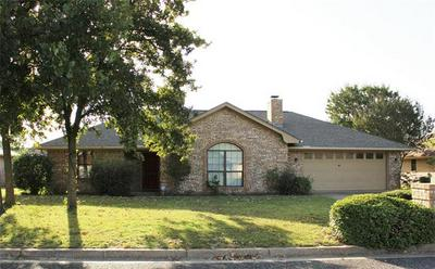 646 MAPLEWOOD DR, Stephenville, TX 76401 - Photo 2