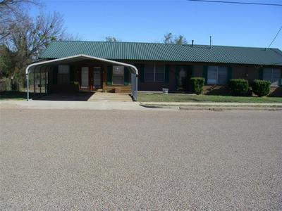 700 S COLLEGE ST, HAMILTON, TX 76531 - Photo 1