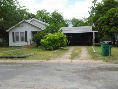 406 E 10TH ST, Coleman, TX 76834 - Photo 2