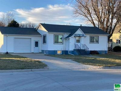 209 N MAPLE ST, Paullina, IA 51046 - Photo 1