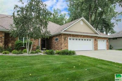 823 CROOKED TREE LN, Dakota Dunes, SD 57049 - Photo 2
