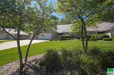 865 CROOKED TREE LN, Dakota Dunes, SD 57049 - Photo 2