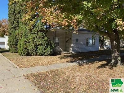 404 S WASHINGTON ST, Remsen, IA 51050 - Photo 2