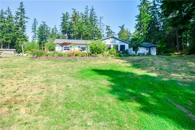 945 E CRESCENT HARBOR RD, Oak Harbor, WA 98277 - Photo 2