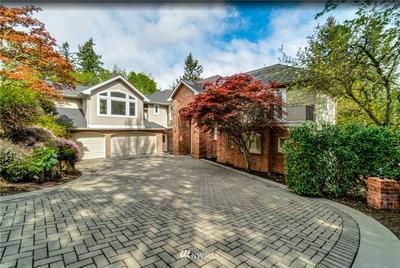 17242 SE 54TH PL, Bellevue, WA 98006 - Photo 1
