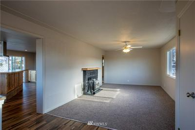 607 H ST SE, Quincy, WA 98848 - Photo 2