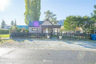 522 E JOHNSON AVE, Chelan, WA 98816 - Photo 2