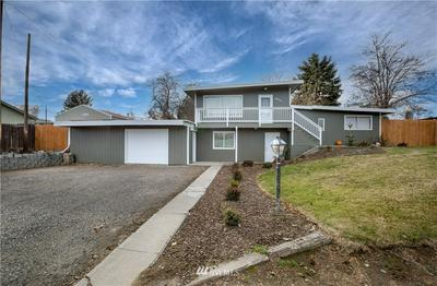 3711 W 7TH AVE, Kennewick, WA 99336 - Photo 1
