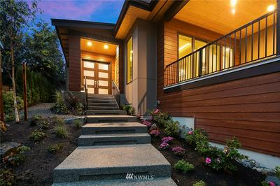 2945 112TH AVE SE, Bellevue, WA 98004 - Photo 2
