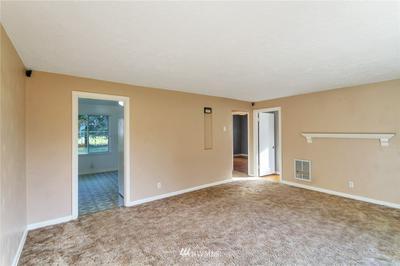 6401 CYPRESS ST, Everett, WA 98203 - Photo 2