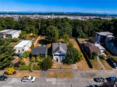 4042 19TH AVE SW, Seattle, WA 98106 - Photo 2