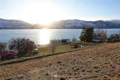 132 MAYER DR, Chelan, WA 98816 - Photo 2