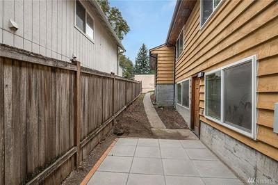 9202 35TH AVE NE LOWR, Seattle, WA 98115 - Photo 2