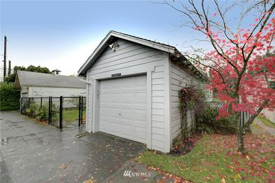 6411 WOODLAND PL N, Seattle, WA 98103 - Photo 2