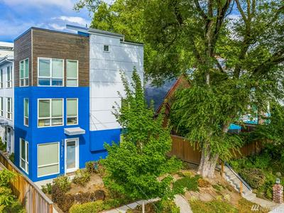 221 24TH AVE E UNIT A, Seattle, WA 98112 - Photo 2