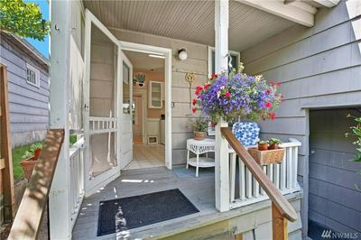 5542 KENWOOD PL N, Seattle, WA 98103 - Photo 1