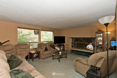 950 ANACORTES CT NE, Renton, WA 98059 - Photo 2