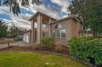10804 39TH DR SE, Everett, WA 98208 - Photo 2