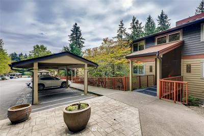 11054 NE 33RD PL APT B9, Bellevue, WA 98004 - Photo 2