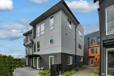 2070 SW CHARLESTOWN ST, Seattle, WA 98106 - Photo 2