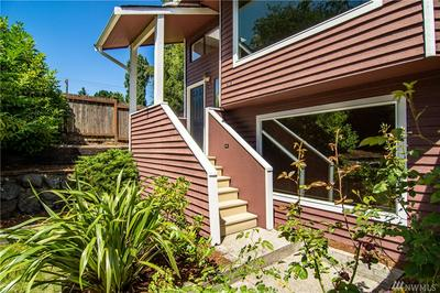 912N N 98TH ST, Seattle, WA 98103 - Photo 2