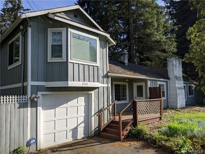 2525 NE 136TH ST, Seattle, WA 98125 - Photo 2