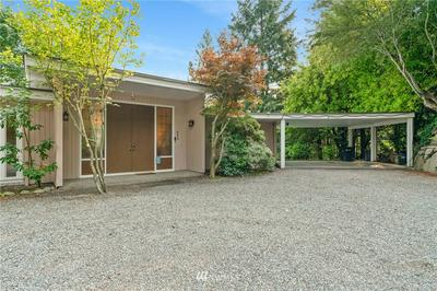 4440 92ND AVE SE, Mercer Island, WA 98040 - Photo 2