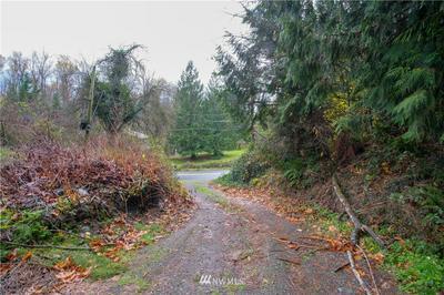 22728 UPPER DORRE DON WAY SE, Maple Valley, WA 98038 - Photo 2