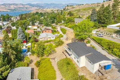 130 E HIGHLAND AVE, Chelan, WA 98816 - Photo 2