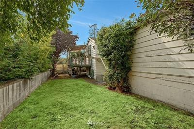 2120 34TH AVE W, Seattle, WA 98199 - Photo 2