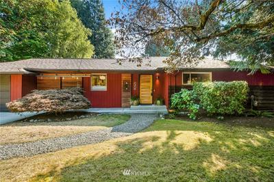 12506 42ND AVE NE, Seattle, WA 98125 - Photo 2