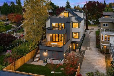 6535 WOODLAWN AVE N, Seattle, WA 98103 - Photo 2