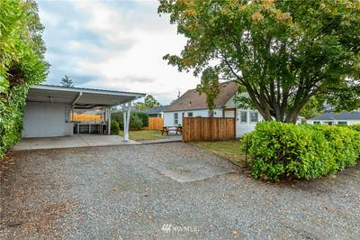 1420 SE 4TH AVE, Oak Harbor, WA 98277 - Photo 2