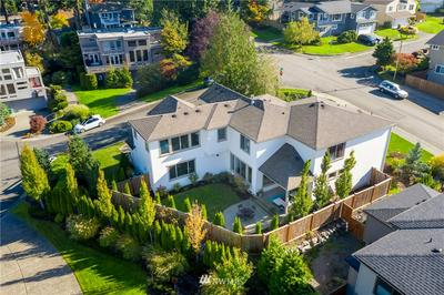 10401 113TH PL NE, Kirkland, WA 98033 - Photo 2