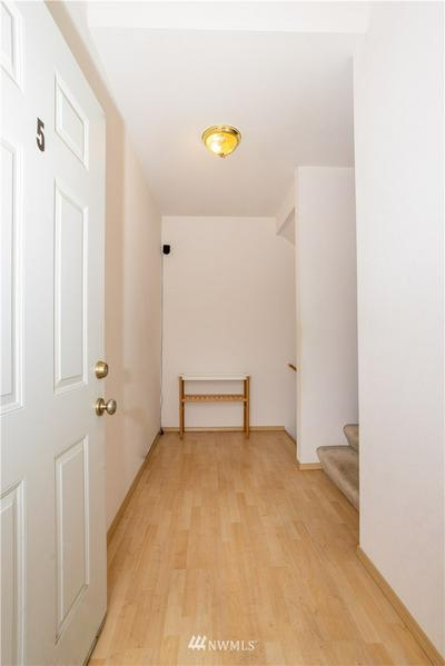 225 SW 110TH ST # 5, Seattle, WA 98146 - Photo 2