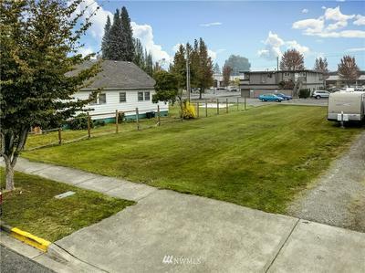 605 2ND ST SW, Puyallup, WA 98371 - Photo 1