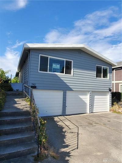 742 N 92ND ST, Seattle, WA 98103 - Photo 1