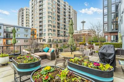 81 CLAY ST APT 422, Seattle, WA 98121 - Photo 1